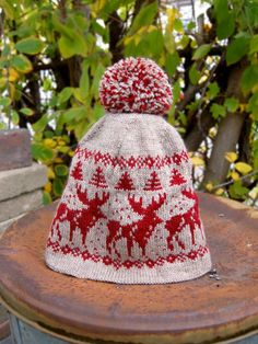 Knitting pattern for Home Alone Holiday hat