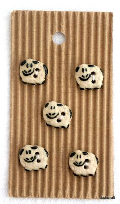 5+Tiny+Smiley+Sheep+Buttons+by+DadaCraft+on+Etsy,+£4.95