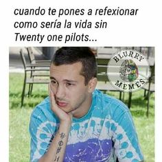 Read Meme from the story Twenty One pilots (Memes by Larxuu (L) with reads. :c muy triste Top Memes, Funny Memes, Tyler Y Josh, Reading Meme, Twenty One Pilot Memes, Commercial Music, Great Memes, Latest Albums, Staying Alive
