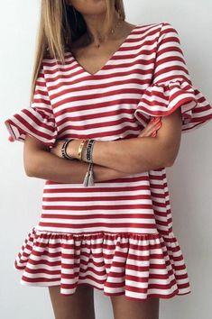 Zimaes-Men Long-Sleeve Square Collor Classic Vertical Stripes Dress Shirts