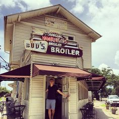 """Bud's Broiler – In New Orleans for Hamburgers, Also try """"Port of Call"""" for Burgers and get a Muffaletta Sandwich in the French Quarter, don't travel alone. Heck, they can put french frys and gravey on a Poboy and it is delicious New York Travel, Travel Usa, Movie Sights, Easy Movies, Downtown New Orleans, Louisiana Bayou, Classic Restaurant, 2nd City, Famous Movies"""