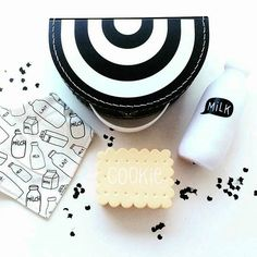 #monochromekids we Love!! @macielwebshop #milkbottle #cookienightlight…