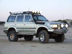 1996 TOYOTA LANDCRUISER  Ready for some underwater exploration with the snorkle atached oohrah