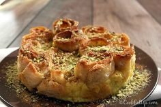 Nana's favorite Greek cooking recipes with photos and directions step by step. Greek Sweets, Greek Desserts, Greek Recipes, Recipe Boards, Food Decoration, Confectionery, Quiche, Tapas, Caramel