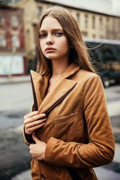 Parisienne: LIFT ME UP Katiusha Feofanova by David Urbanke