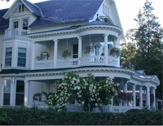 LOVE Victorian houses w/ wrap around porches!!!