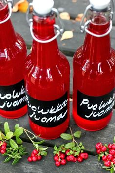 Pata porisee: Vaasan Jaakon puolukkajuoma Cocktails, Drinks, Recipes From Heaven, Coffee Recipes, Hot Sauce Bottles, Soul Food, Lemonade, Tapas, Smoothies