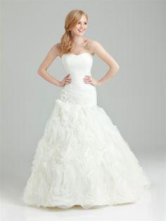 Shop Allure Bridals: Style: 2560