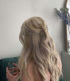 Hair Inspo, Hair Inspiration, Blonde Hair Looks, Aesthetic Hair, Grunge Hair, Dream Hair, Hair Highlights, Pretty Hairstyles, Her Hair