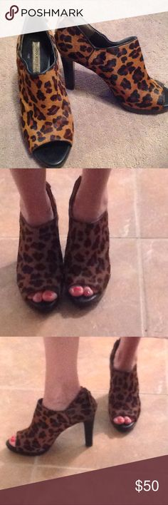 """Banana Republic animal print peep toe heels Banana Republic animal print peep toe heels. Soft feel 3"""" heel size 9 with a zipper in the back Banana Republic Shoes Ankle Boots & Booties"""