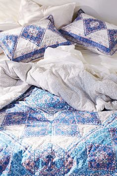 Magical Thinking Terra Medallion Comforter - Urban Outfitters