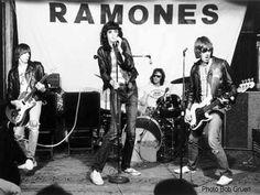 The Ramones, Bob Gruen Ramones, Kinds Of Music, Music Is Life, My Music, Rock N Roll, Joey Ramone, Die Young, The Clash, Alternative Music