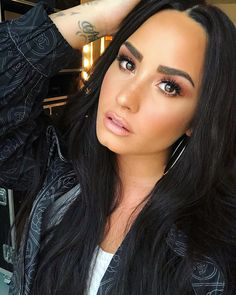 Image about girl in Demi Lovato by Queen Joy on We Heart It Glam Makeup, Hair Makeup, Selfies Poses, Most Beautiful, Beautiful Women, Beautiful Eyes, Beautiful Things, Beautiful People, Queen
