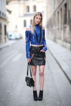 La falda de piel negra es tan versátil que la puedes combinar con ¡casi todo! Complementa tu look co... - Getty Images