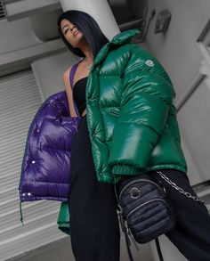 Moncler, Nylons, Puffy Jacket, Photo Instagram, Jackets For Women, Winter Jackets, Womens Fashion, Sexy, Videos