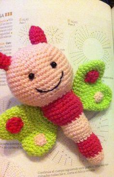 Mariposa Rosa crochet de Amigumonitos  por DaWanda.com