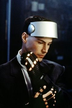 """Keanu Reeves as Johnny in """"Johnny Mnemonic"""" directed by Robert Longo """" Mel Gibson, Vr Helmet, Keanu Reeves Quotes, Keanu Charles Reeves, Retro Arcade, Cyberpunk Fashion, Cyberpunk Art, Actors & Actresses, Movie Tv"""