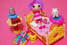 Lalaloopsy Mini bedroom. Sew cute! I would love to find where you get the little alarm clock and the stack of school books!