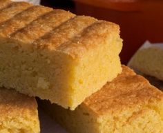 gluten free polenta almond and lemon cake Gluten Free Cakes, Gluten Free Desserts, Gluten Free Recipes, Baking Recipes, Cake Recipes, Polenta Cakes, Almond Cakes, Gluten Free Cooking, Vegan Cake