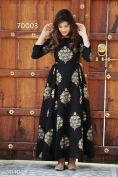 Buy online Dresses - Black block printed cotton maxi dress from Jharonka Mode Abaya, Mode Hijab, Stylish Dresses, Casual Dresses, Fashion Dresses, Casual Wear, Formal Dresses, Indian Gowns Dresses, Pakistani Dresses
