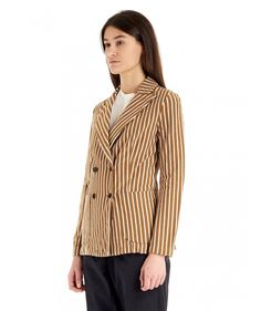 Woman Jacket with a peak lapel collar. The Dalia Breto is a double-breasted jacket with a striped white and tobacco pattern.  www.barenavenezia.com