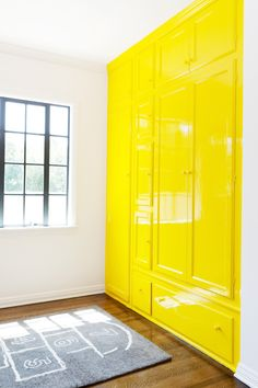 About architecture, interior and exterior design Lacquer Furniture, Plywood Furniture, Deco Boheme, Built In Bookcase, Yellow Painting, Home And Deco, Inspired Homes, Elle Decor, Built Ins