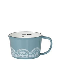 Charming measuring cup in chalky blue with a motif of homes in white.  Designed with a pour spout handle and measurements in oz ml or cups. Holds 14oz or 1 12 cups.