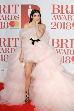 9 Fashionista moments of Dua Lipa – Fashion Tips Billboard Music Awards, Tulle Gown, Strapless Gown, Versace, Pink Gowns, Pink Dress, Adidas Hose, Jennifer Lopez, Red Carpet Fashion