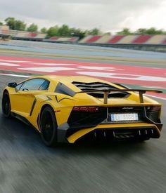 Lamborghini Aventador SV - https://www.luxury.guugles.com/lamborghini-aventador-sv-3/