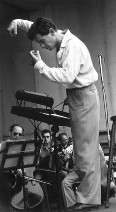Leonard Bernstein rehearsing the New York City Symphony (which offered more modern music and cheaper tickets than the Philharmonic) in New York, photo by Ruth Orkin West Side Story, Jazz, I Love Music, Music Is Life, My Music, Reggae Music, Amazing Music, Classical Music Composers, Leonard Bernstein