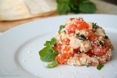Салат из кускуса с томатами, курицей, мятой и зирой