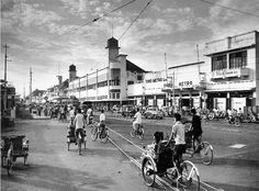 Tunjungan Street, The Witness Of Moments - Surabaya Surabaya, Old Pictures, Old Photos, Dutch East Indies, Famous Places, Malang, Historical Pictures, Tourism, Street View