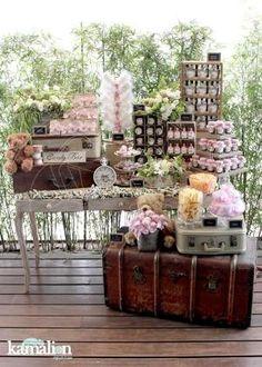 www.kamalion.com.mx - Mesa de Dulces / Candy Bar / Pink / Rosa / Vintage / Rustic Decor / Flores / Decoración / Baúl / Maletas / Bautizo / It's a girl / Es niña. by marjorie