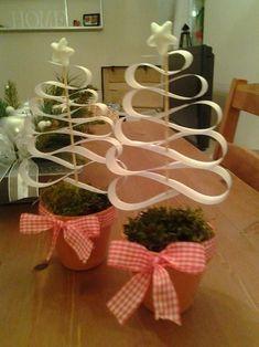 Stromečky dárek pro paní | Mimibazar.cz School Clubs, Christmas Decorations, Christmas Tree, Plant Hanger, Snoopy, Winter, Kids, Crafts, Home Decor