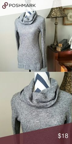 Gray Cowl Neck Sweater Gray Cowl Neck Sweater from Merona. This is a great winter sweater in excellent condition! Dress this sweater up with a chunky statement necklace! Merona Sweaters Cowl & Turtlenecks