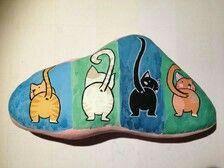 Cute rear view of kitties!!