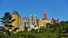 Muy cerquita de nosotros podemos encontrar una ciudad llena de vida y de sorpresas, Lisboa. Tan cerca que puede llegar a ser una desconocida. Desde aquí os animamos a que la visitéis, y que no solo