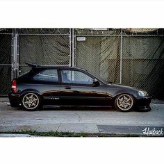 Lovin this. Repost: Lovin this. Honda Civic Vtec, Honda Civic Hatchback, Honda S2000, Slammed Cars, Jdm Cars, Tuner Cars, Ek Hatch, Civic Coupe, Civic Car