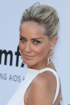 Sharon Stone Have Herself A New Man? Actress Rumored To Romance . Actress Rumored To Romance . Most Beautiful Women, Beautiful People, Sharon Stone Photos, Famous Girls, Hollywood Actresses, Beautiful Actresses, Older Women, Look Fashion, Hair Cuts