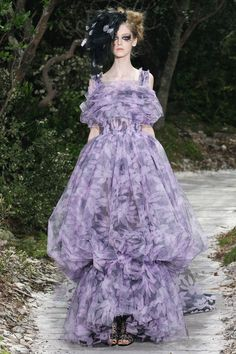 Chanel Spring 2013 Couture - Review - Fashion Week - Runway, Fashion Shows and Collections - Vogue - Vogue