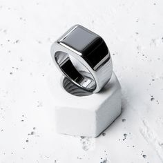 Such a sleek ring