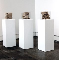 how to make an exhibition plinth