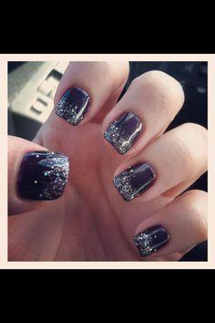 Glittery shellac nails
