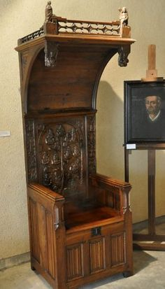 Superior Gothic Chair