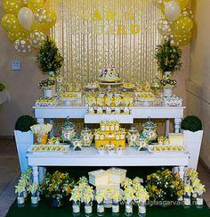 Decoração Festa Batizado nas cores branco e amarelo