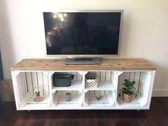 If you are looking for Diy Projects Pallet Tv Stand Plans Design Ideas, You come to the right place. Below are the Diy Projects Pallet Tv S. Crate Tv Stand, Diy Tv Stand, Rental Home Decor, Diy Home Decor For Apartments, Pallet Furniture Tv Stand, Cool Furniture, Furniture Ideas, Trendy Furniture, Palette Tv Stand