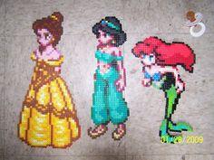 Enchanted Rose Perler Beads by Angel-Bear on DeviantArt Melty Bead Patterns, Perler Patterns, Beading Patterns, Perler Bead Disney, Perler Bead Art, Pixel Art, Pearl Beads Pattern, Art Perle, Peler Beads