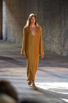 Spring 2015 Ready-to-Wear  The Row  Model  Nakisa Fouladi