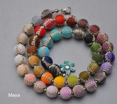 43 Ada bogyó története. Maya gyöngyei. Beaded beads