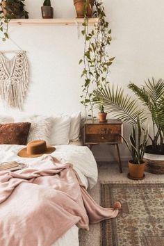 25 Stunning Boho Room Ideas - Society19 Boho Chic Bedroom, Boho Room, Modern Bedroom, Black Bedrooms, Gothic Bedroom, Room Ideas Bedroom, Home Decor Bedroom, Bedroom Designs, Decor Room